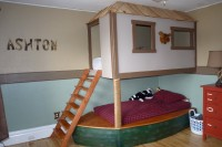 west upstairs bedroom built-in bunk beds